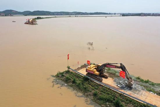 中洲圩决堤口达170多米(供图:中国安能集团南昌分公司)