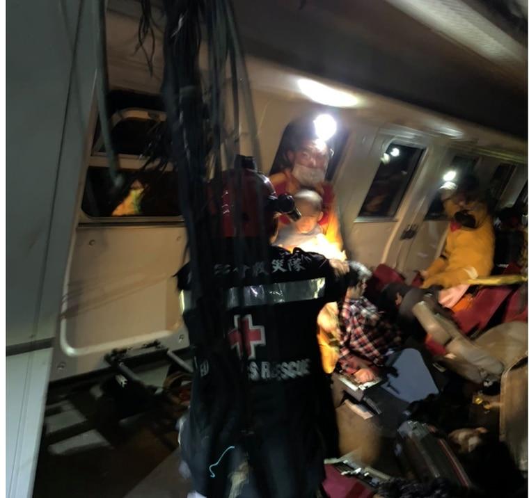 台铁车身削半!最惨第8车27死 座位图曝生死瞬间