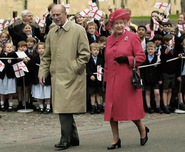 """英女王迎来95岁生日!70多年""""传统""""中断"""