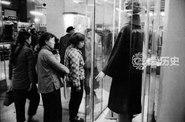 上海人满满的回忆:1949年成立的首家国营百货