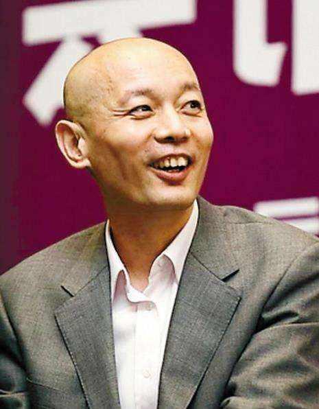 疑64岁葛优3岁儿子曝光,去年从美国接回北京