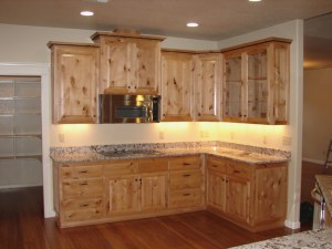 knotty-alder-wood-kitchen-cabinets-l-05dd9069abcb7e7d -