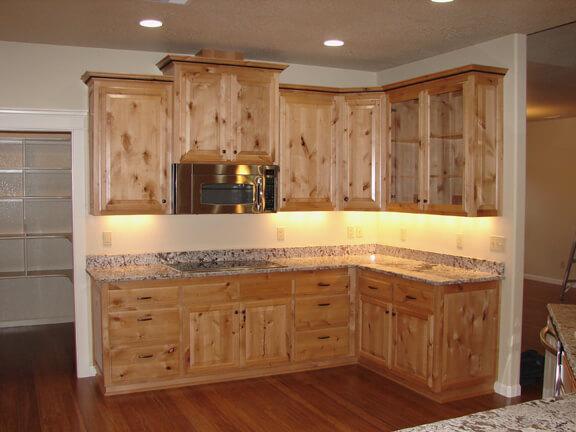 Knotty-alder-wood-kitchen-cabinets-l-05dd9069abcb7e7d