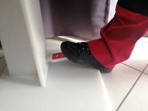 Desinfektionsmittel Ständer mit Fußpedal
