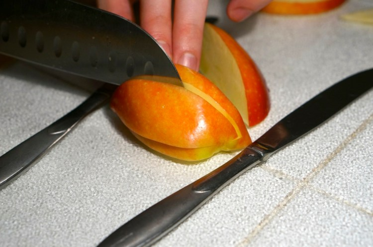 apple-cutting-how-to