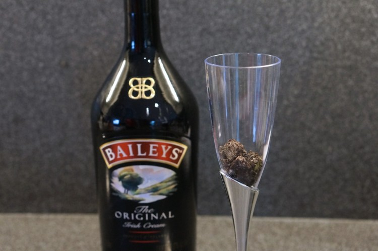 oreos-for-cheescake-baileys