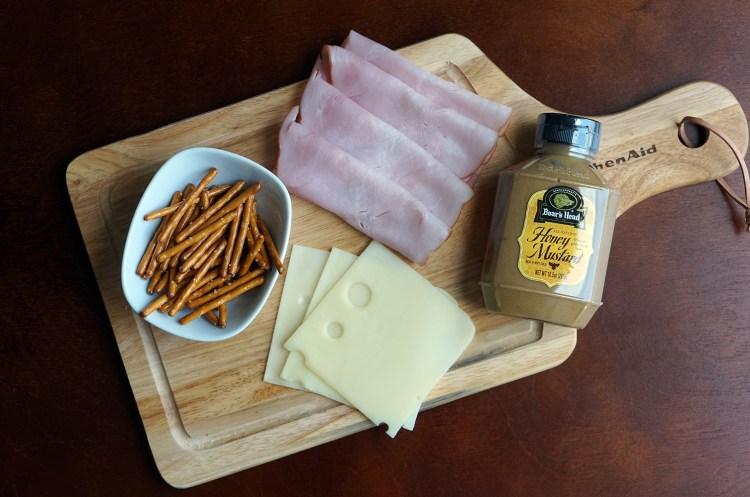 Ham-pretzel-appetizer