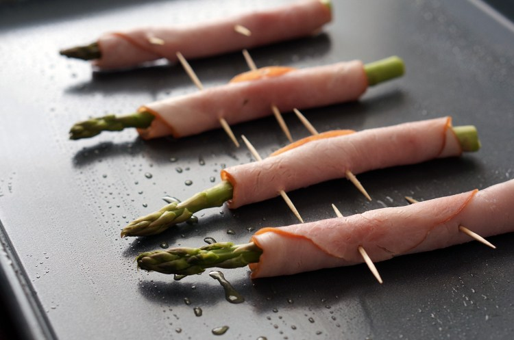deli-ham-wrapped-asparagus
