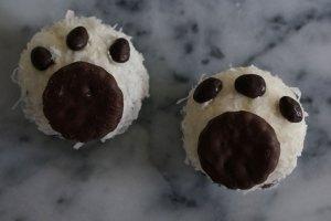 paw-print-cupcake