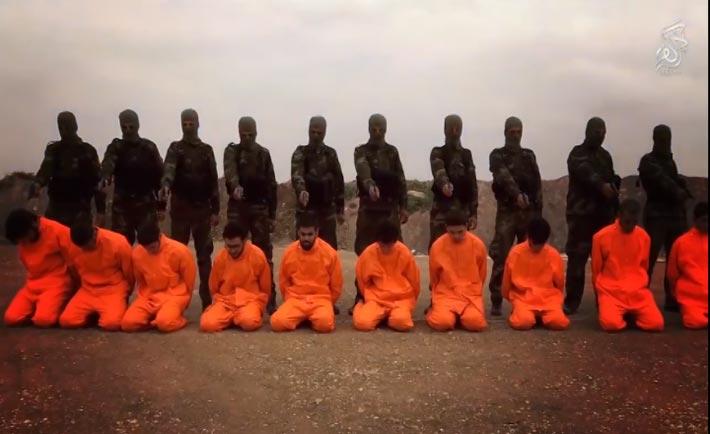 L finta esecuzione dei terroristi dell'Isis