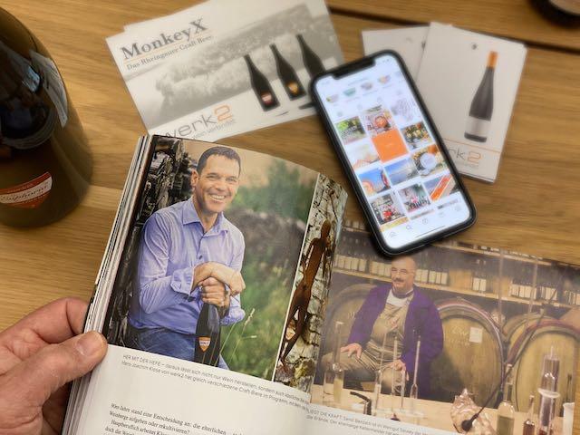 """Man sieht hier Hans-Joachim Klose in der Ausgabe 02/2021 Der Feinschmecker über einen Artikel """"Wir können auch anders"""" Es geht um  Winzer die neben Wein, Kaffee, Craftbier, Essig, Trester machen."""
