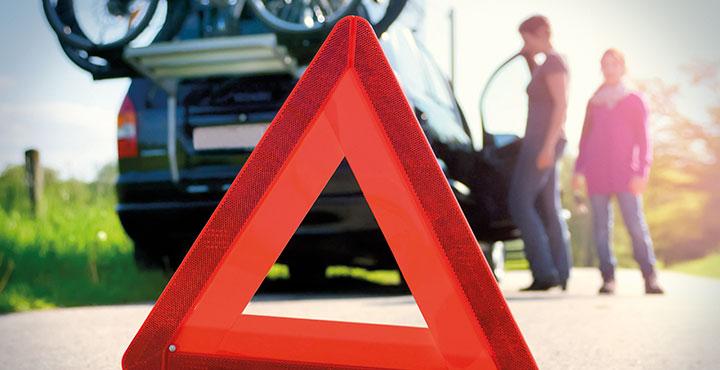 Warndreieck vor Fahrzeugpanne