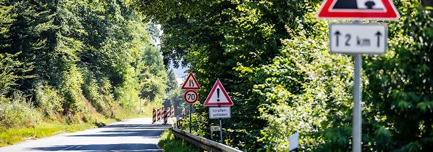 Teilsperrung auf der L561 zwischen Gieselwerder und Oedelsheim