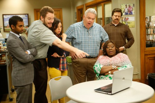 "PARKS AND RECREATION -- ""New Slogan"" Episode 616 -- Pictured: (l-r) Aziz Ansari as Tom Haverford, Chris Pratt as Andy Dwyer, Aubrey Plaza as April Ludgate, Jim O'Heir as Jerry Gergich, Retta as Donna Meagle, Nick Offerman as Ron Swanson -- (Photo by: Jordin Althaus/NBC)"