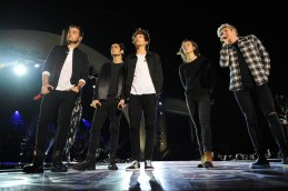 ONE DIRECTION: THE TV SPECIAL -- Pictured: (l-r) Liam Payne, Zayn Malik, Louis Tomlinson, Harry Styles, and Niall Horan of the band One Direction -- (Photo by: Jeff Daly/NBC)