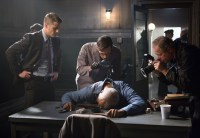 "GOTHAM: Detective James Gordon (Ben McKenzie, L) and Edward Nygma (Cory Michael Smith, C) investigate a crime scene in the ""Welcome Back, Jim Gordon"" episode of GOTHAM airing Monday, Jan. 26 (8:00-9:00 PM ET/PT) on FOX. ©2015 Fox Broadcasting Co. Cr: Jessica Miglio/FOX"