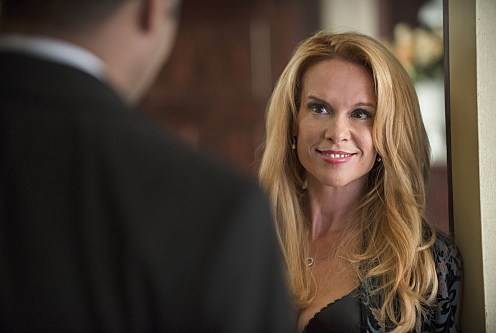 """The Flash -- """"The Nuclear Man"""" -- Image FLA113B_0264b -- Pictured: Chase Masterson as Sherry -- Photo: Cate Cameron/The CW -- �© 2015 The CW Network, LLC. All rights reserved."""
