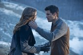 """The Flash -- """"The Nuclear Man"""" -- Image FLA113C_0211b -- Pictured (L-R): Danielle Panabaker as Caitlin Snow and Robbie Amell as Ronnie -- Photo: Cate Cameron/The CW -- © 2015 The CW Network, LLC. All rights reserved."""