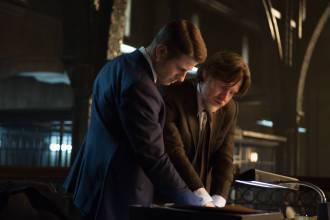 "GOTHAM: Detective James Gordon (Ben McKenzie, L) and Harvey Bullock (Donal Logue, R) set out to stop a biology teacher who has been harvesting the glands of his murder victims in the ""The Scarecrow"" episode of GOTHAM airing Monday, Feb. 9 (8:00-9:00 PM ET/PT) on FOX. ©2015 Fox Broadcasting Co. Cr: Jessica Miglio/FOX"
