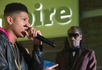 """EMPIRE: Hakeem (Bryshere Gray, L) performs in the special two-hour """"Die But Once/Who I Am"""" Season Finale episode of EMPIRE airing Wednesday, March 18 (8:00-10:00 PM ET/PT) on FOX. Also pictured: Snoop. CR: Chuck Hodes/FOX"""