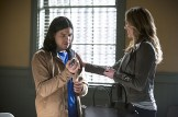 """The Flash -- """"Who is Harrison Wells?"""" -- Image FLA119B_0075b -- Pictured (L-R): Carlos Valdes as Cisco Ramon and Katie Cassidy as Laurel Lance -- Photo: Katie Yu /The CW -- © 2015 The CW Network, LLC. All rights reserved."""