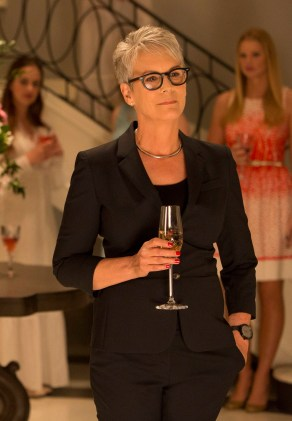 SCREAM QUEENS: Horror icon Jamie Lee Curtis stars as Dean Munsch in the new comedy horror anthology, SCREAM QUEENS, premiering Septemeber 2015 on FOX. ©2015 Fox Broadcasting Co. CR: Steve Dietl/FOX