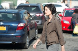 "PHOTOS: Preview Tonight's 'Blindspot' Season 1, Episode 3 ""Eight Slim Grins"""