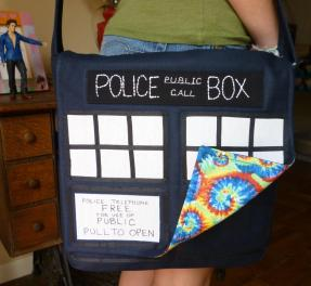 SATURDAY SHOUT-OUT: Glorious Zanymouse Creations (DOCTOR WHO TARDIS messenger bag: Photo Credit Zanymouse Creations)
