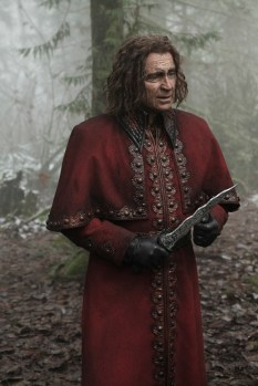 """PREVIEW: 'Once Upon a Time' Season 6, Episode 13 """"Ill-boding Patterns"""""""