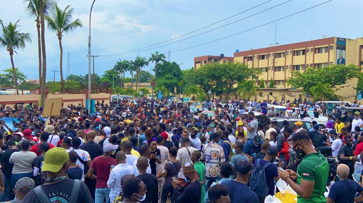 Lagos youth vow not to vacate streets until govt #EndSARS