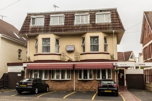 Holiday Accommodation in Westbourne. The Glenbourne, Alumhurst Road.