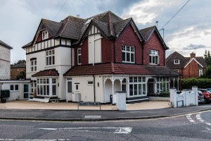 Holiday Accommodation in Westbourne. West Cliff Road, Westbourne
