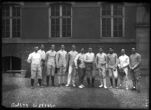 Olympics 1908 FRA team standing