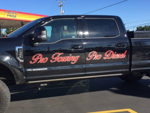 Pro Towing – Truck Vinyl Lettering