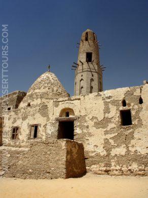 12th-century mosque in al-Qasr
