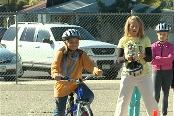bike to school _-2037353851103064089