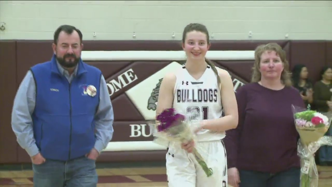 Demons_Drop_Bulldogs_in_Senior_Day_Overt_0_20190216054012
