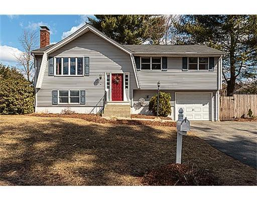15 Lake Shore Dr. N, $401,990; 3 beds, 2 baths, sold on May 21, listed by Keller Williams Realty Merrimack