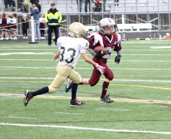Tommy Galvin eludes a tackler (credit: Mike Saunders)