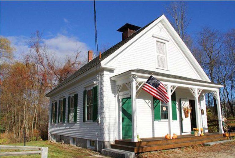 Parkerville Schoolhouse (courtesy - Bob Oliphant)