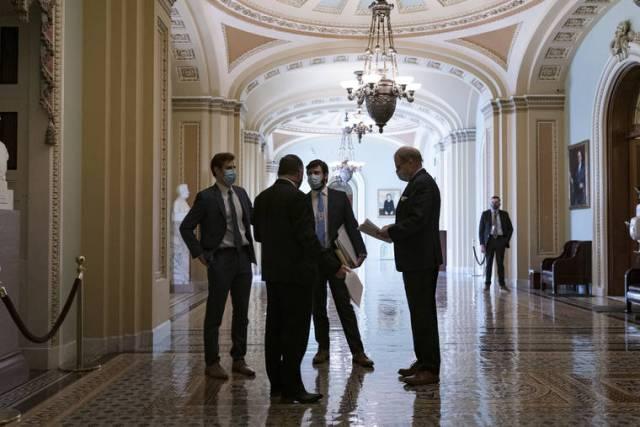 Senate Dems strike jobless aid deal, relief bill OK in sight