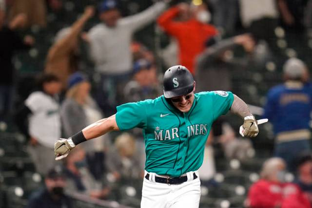 Kelenic homers for 1st hit, Mariners beat Indians 7-3