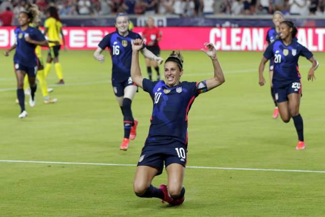 Carli Lloyd makes U.S. soccer team for her 4th Olympics