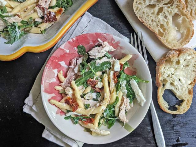 Pasta salad that's perfect for porch dining