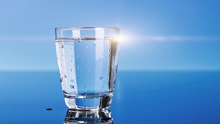Drinking Water with Three Breaths | Shaikh Saalih al-Fawzaan