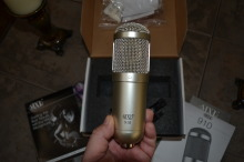 MXL-910 Studio Condenser Mic with Shock Mount -NEW $70