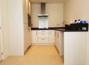 Semi detached 2 bedroom house to rent West Bromwich B70 kitchen
