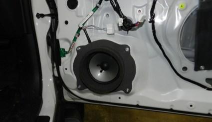 Nissan Juke Stereo System Upgrade Retains Factory Radio,Improves Sound