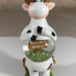 Standing Cow – Welcome to Vermont Snowglobe