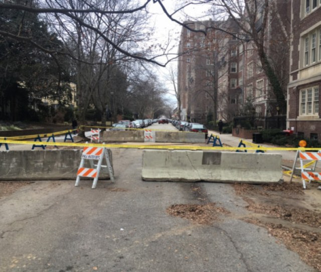 Pine Street Between 46th And 47th Has Been Closed To Through Traffic For Days Due To A Water Leak And A Sinkhole Residents Reported The Leak At The